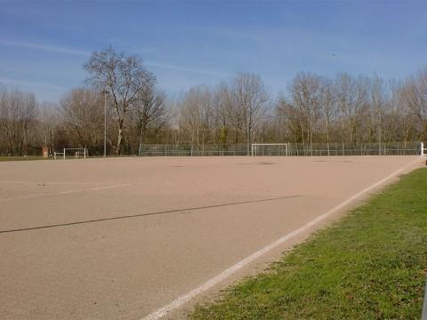 Campo de fútbol tierra